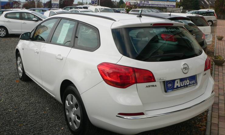 Opel Astra J Sports Tourer 1.6 CDTi Selection (2015. 07)